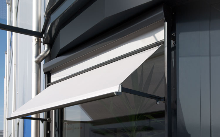 Drop arm awnings and window awnings - VISOMBRA FS6000 | Sun Protection and Weather Protection with STOBAG